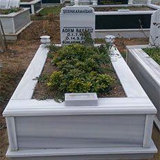 Tek Kişilik Vazolu Mermer Mezar