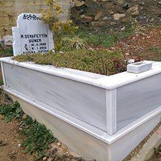 Tek Kişilik Sütunlu Mermer Mezar
